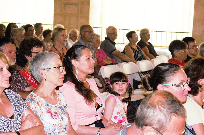 Chorale d'enfants du collège Georges TEXIER de Saint-Jean d'Angély le vendredi 6 juillet dernier au palais des congrès de Rochefort